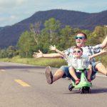 12 planes con niños, uno para cada mes del año