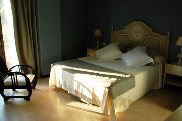 Petit hotel del riu
