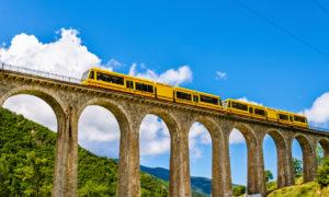 tren amarillo Pirineos