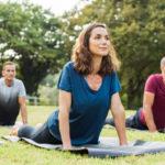 Ioga per a principiants: 10 postures per a millorar l'elasticitat