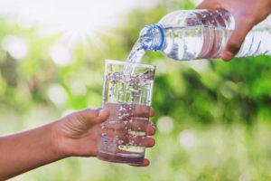importancia de beber agua